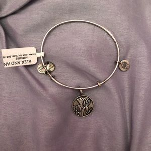 BNWT Alex & Ani sister bracelet